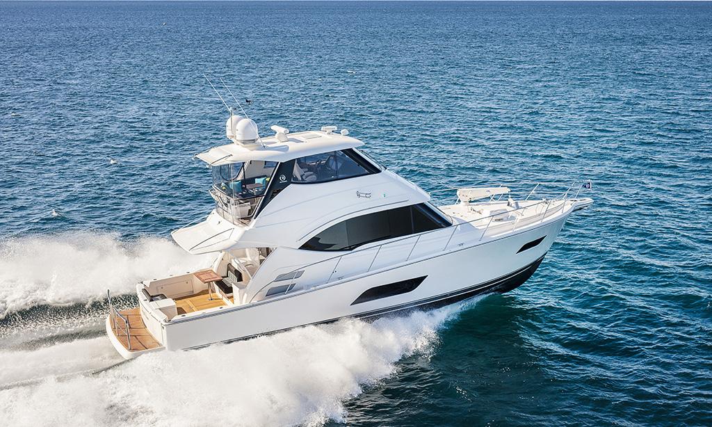 Boat Test Video: Riviera 52 Enclosed Flybridge
